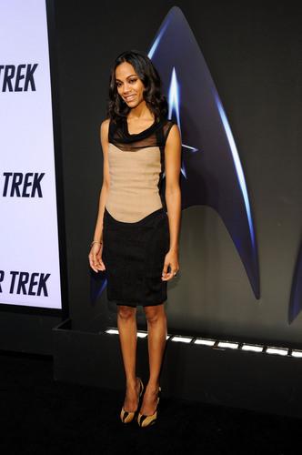 Zoe Saldana | star, sterne Trek DVD Release Party (HQ)