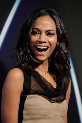 Zoe Saldana | звезда Trek DVD Release Party (HQ)