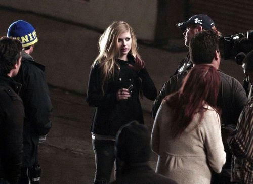 avril lavigne in December 01 - On set of Filming a New Commercial, Los Angeles
