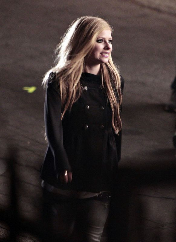 avril lavigne is getting chubby