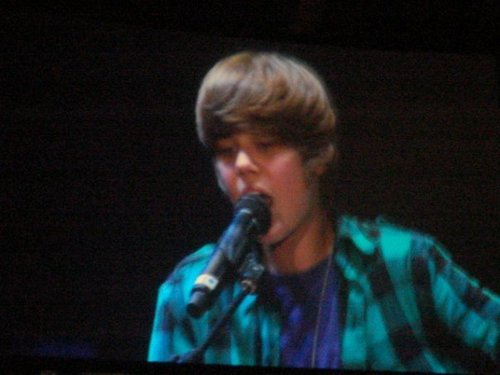 jb at m.e.n arena Manchester!! <3