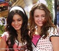 miley and vane - miley-and-vanessa photo