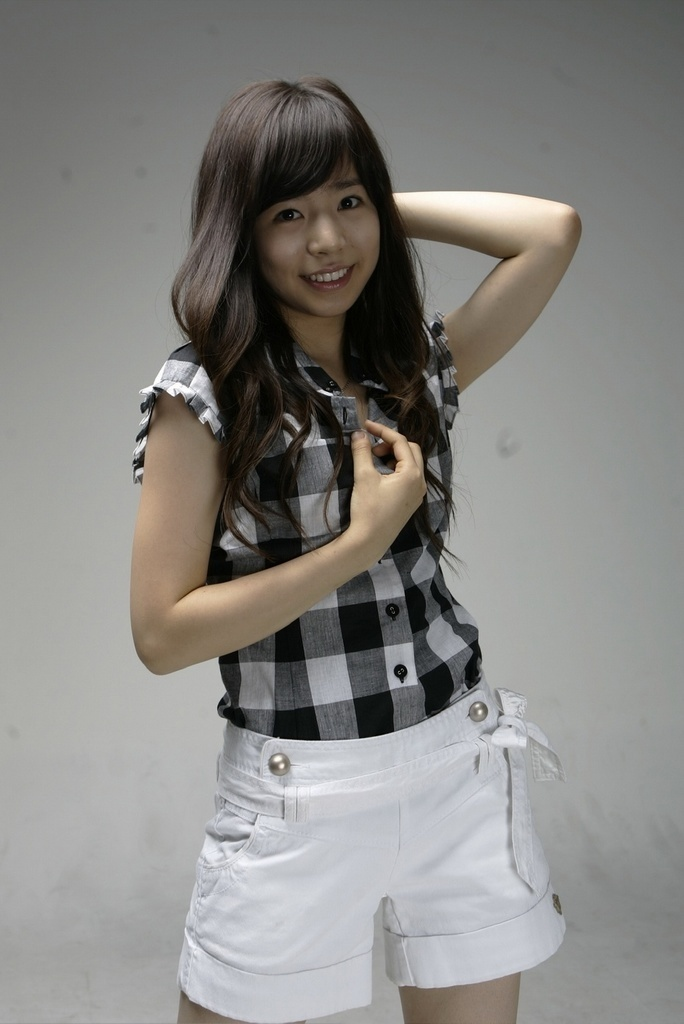 yoona girls generation pictures. sunny lee