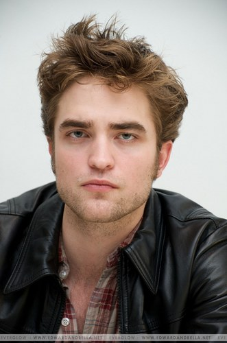"11.06.09 - ""New Moon"" Press Conference"