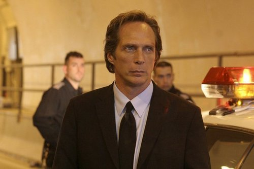 William Fichtner দেওয়ালপত্র containing a business suit, a suit, and a two piece called Bill