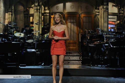 Blake Lively wallpaper probably with hosiery titled Blake ON SNL