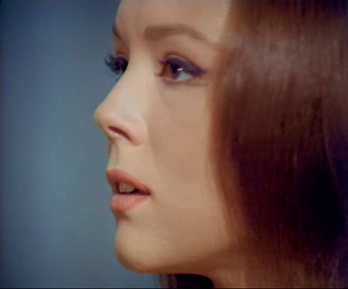 Diana Rigg kertas dinding probably containing a portrait entitled Emma Peel
