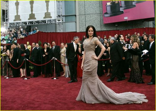 Eva Green wallpaper possibly containing a bridesmaid and a business suit called Eva @ 2007 Oscars