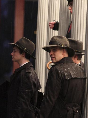 글리 boys at the LACMA museum