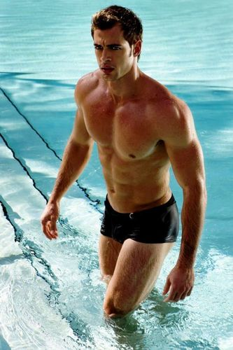 William Levy Gutierrez wallpaper possibly containing swimming trunks, a hunk, and a six pack called Hot
