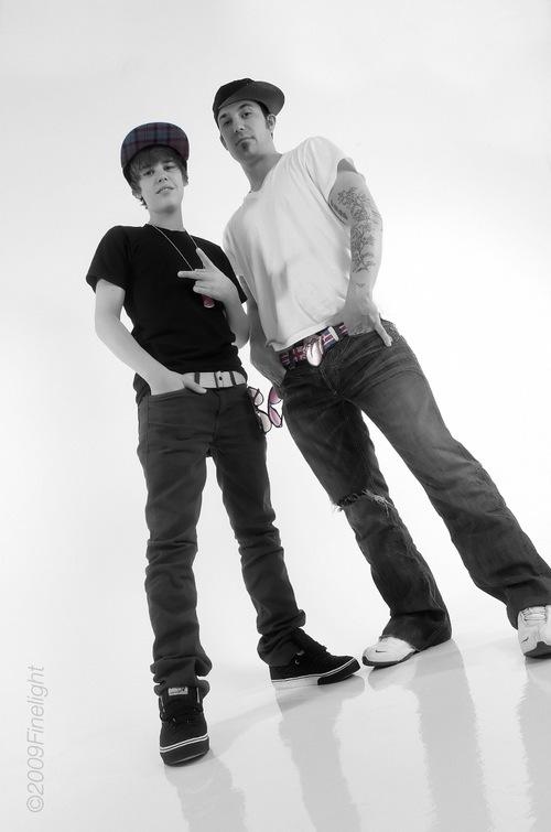 http://images2.fanpop.com/image/photos/9300000/Justin-dad-Jeremy-justin-bieber-9357707-500-755.jpg