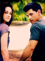 KristenS and TaylorL - kristen-stewart-and-taylor-lautner photo