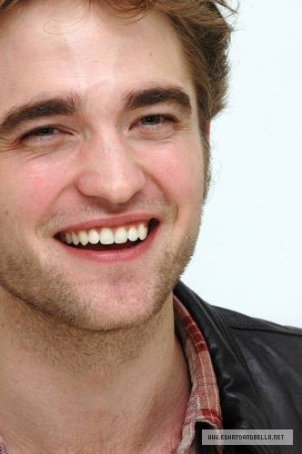 Robert Pattinson wallpaper probably containing a portrait called LA Press Conference Pictures - Without  tag