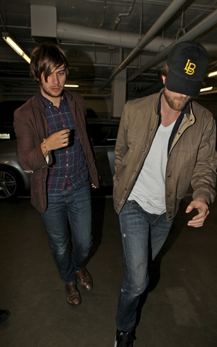Rob Out in Hollywood-Dec 4