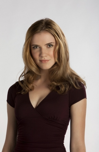 Sara Canning as Jenna Sommers