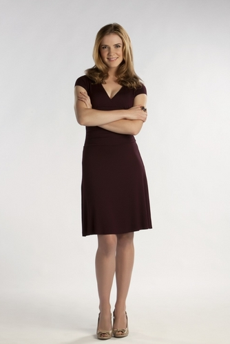 The Vampire Diaries TV Show wallpaper with a cocktail dress entitled Sara Canning as Jenna Sommers