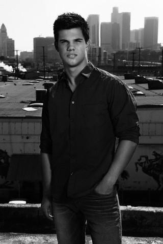 Taylor Lautner - Men's Health Magnazine :D