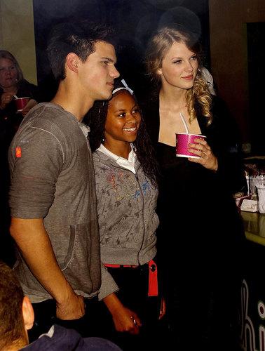 Taylor & Taylor Reunite on 'Valentine's Day'