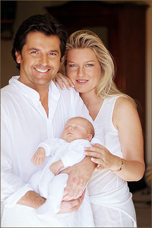 Thomas Anders Hintergrund titled Thomas Anders & his family