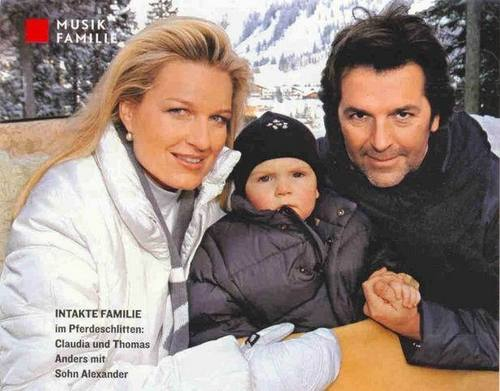 Thomas Anders Hintergrund probably containing a portrait entitled Thomas Anders & his family