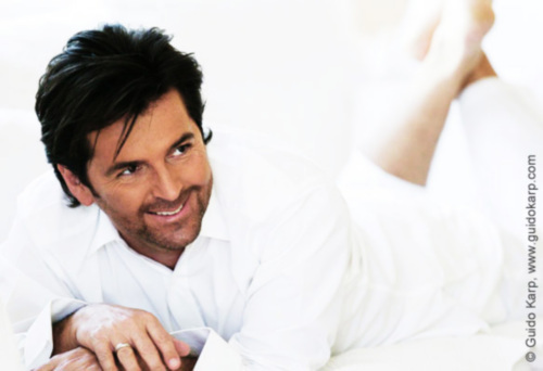 Thomas Anders Hintergrund with a portrait titled Thomas Anders