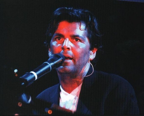 Thomas Anders achtergrond probably containing a concert titled Thomas Anders