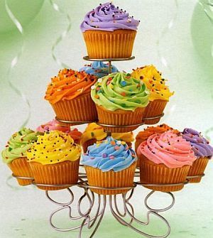 Cupcakes wallpaper containing a cupcake and a frosted layer cake called cute cupcakes