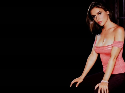 Alyssa Milano wallpaper possibly containing attractiveness titled Alyssa Milano