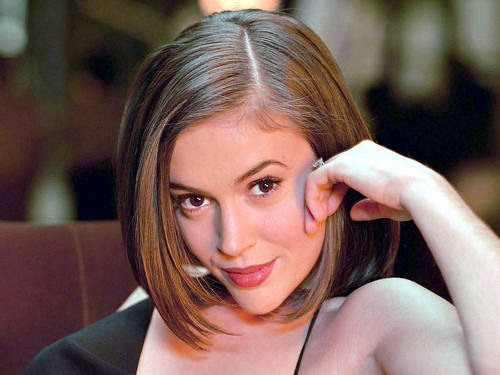 Alyssa Milano wallpaper containing a portrait titled Alyssa Milano