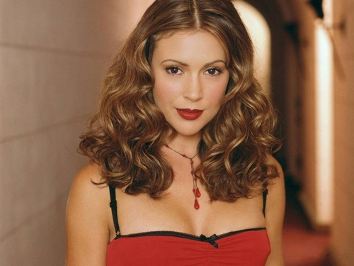 Alyssa Milano wallpaper with attractiveness and a portrait titled Alyssa Milano