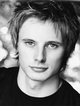 Bradley James is hot!!!!