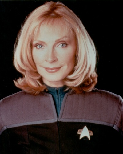 ster Trek-The volgende Generation achtergrond called Doctor Beverly Crusher