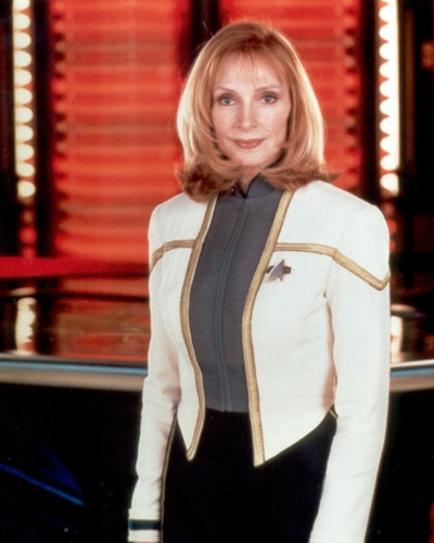 bintang Trek-The seterusnya Generation kertas dinding containing a well dressed person, a business suit, and a hip boot titled Doctor Beverly Crusher