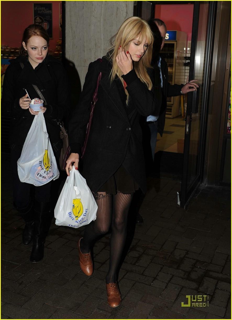 Emma & Taylor Swift