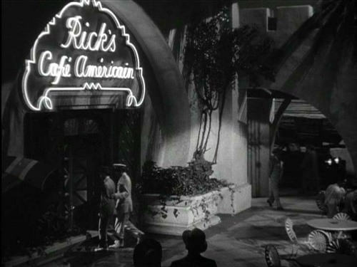 Casablanca 바탕화면 with a 식당 entitled Everybody Comes to Rick's.