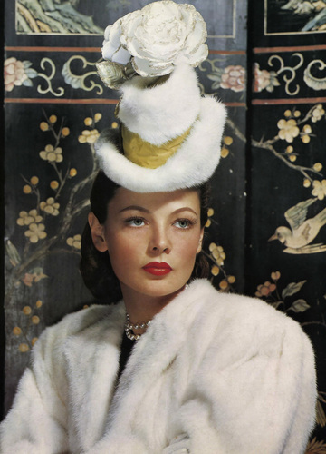 Classic Movies wallpaper with a fur coat and a mink titled Gene Tierney
