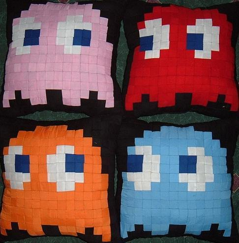 Ghost pillow - pac-man Photo