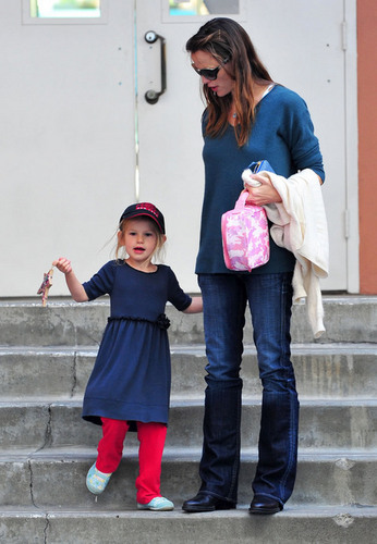 Jennifer & violet