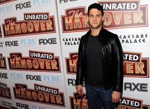 Justin Bartha - justin-bartha Photo