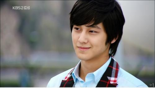 Kim Bum Hintergrund probably with a portrait called Kim Bum smile