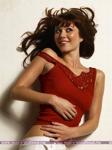 Mary Elizabeth Winstead | Mens Health Photoshoot