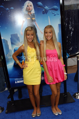 """Milly & Becky:""""Monsters vs. Aliens"""" Los Angeles Premiere - Arrivals"""