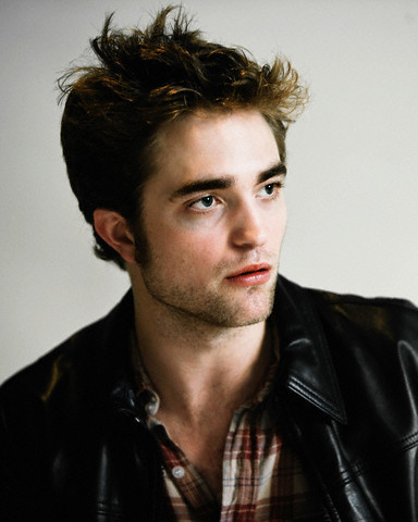 Latest  Pattinson on New Robert Pattinson La Press Conference Pics   Robert Pattinson And