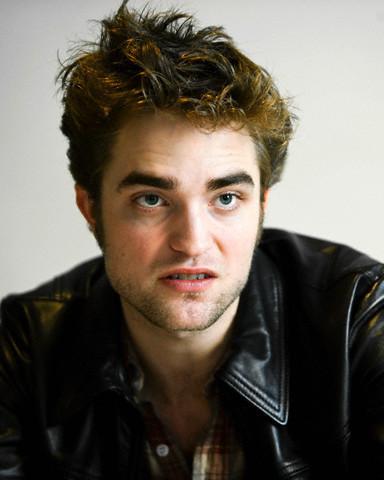New Robert Pattinson LA Press Conference Pics