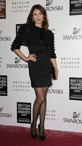 Olga Kurylenko | British Fashion Awards 2009 (HQ)