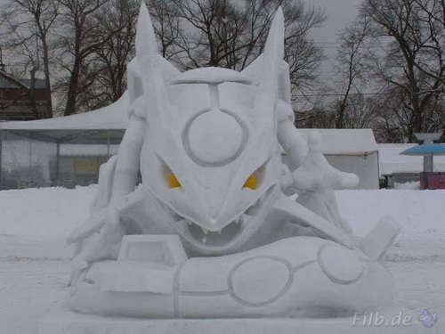 Rayquaza made out of snow!