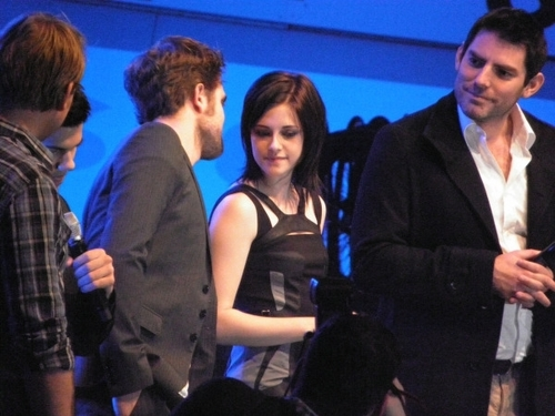 Rob, Kristen, & Taylor in Munich