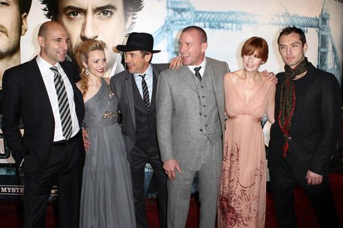 Sherlock Holmes Luân Đôn Premiere!
