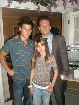 Taylor Lautner پیپر وال probably with a well dressed person called Taylor Lautner