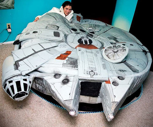 The Millennium valk, falcon bed